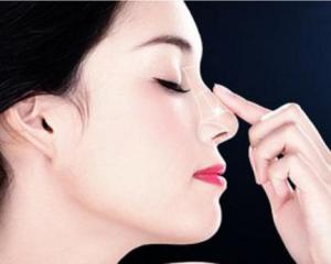 上海做鼻子的医生排行都有哪些?上海隆鼻知名专家预约前十名